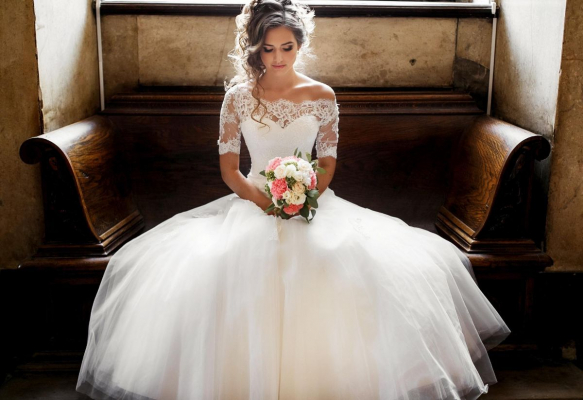Emma Claire Bridal - Wedding Dress / Fashion - Warwick - Warwickshire