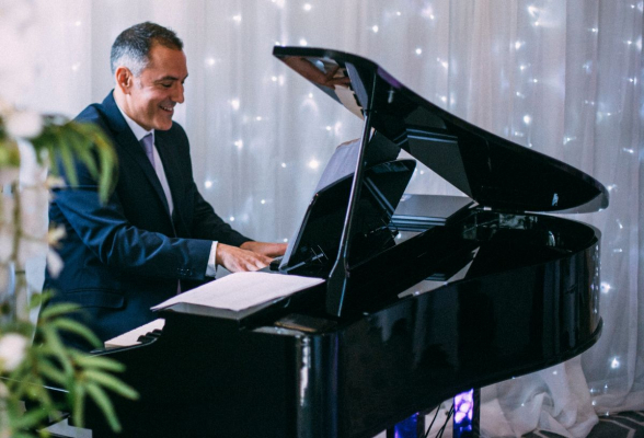 Bryan Edery Pianist - Musicians - Hampstead - Greater London