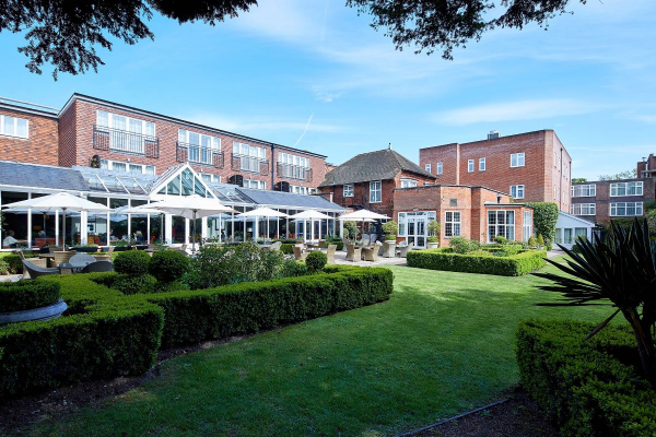The Bull Hotel - Wedding Venue - Gerrards Cross - Buckinghamshire