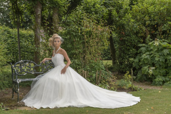 Mojgan Bridal Couture - Wedding Dress / Fashion - Bournemouth - Dorset