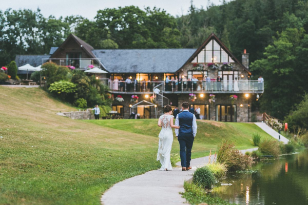 Canada Lodge and Lake - Wedding Venue - Creigiau - County Cardiff