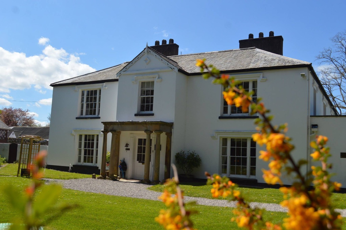 Pentre Mawr Country House-Image-2