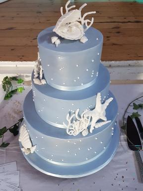 Centrepiece Cakes by Kerry-Image-3