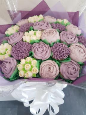 Centrepiece Cakes by Kerry-Image-6