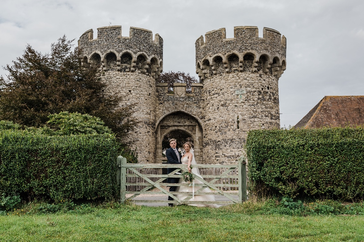 Front of Cooling Castle Barn, just one of many great photo locations