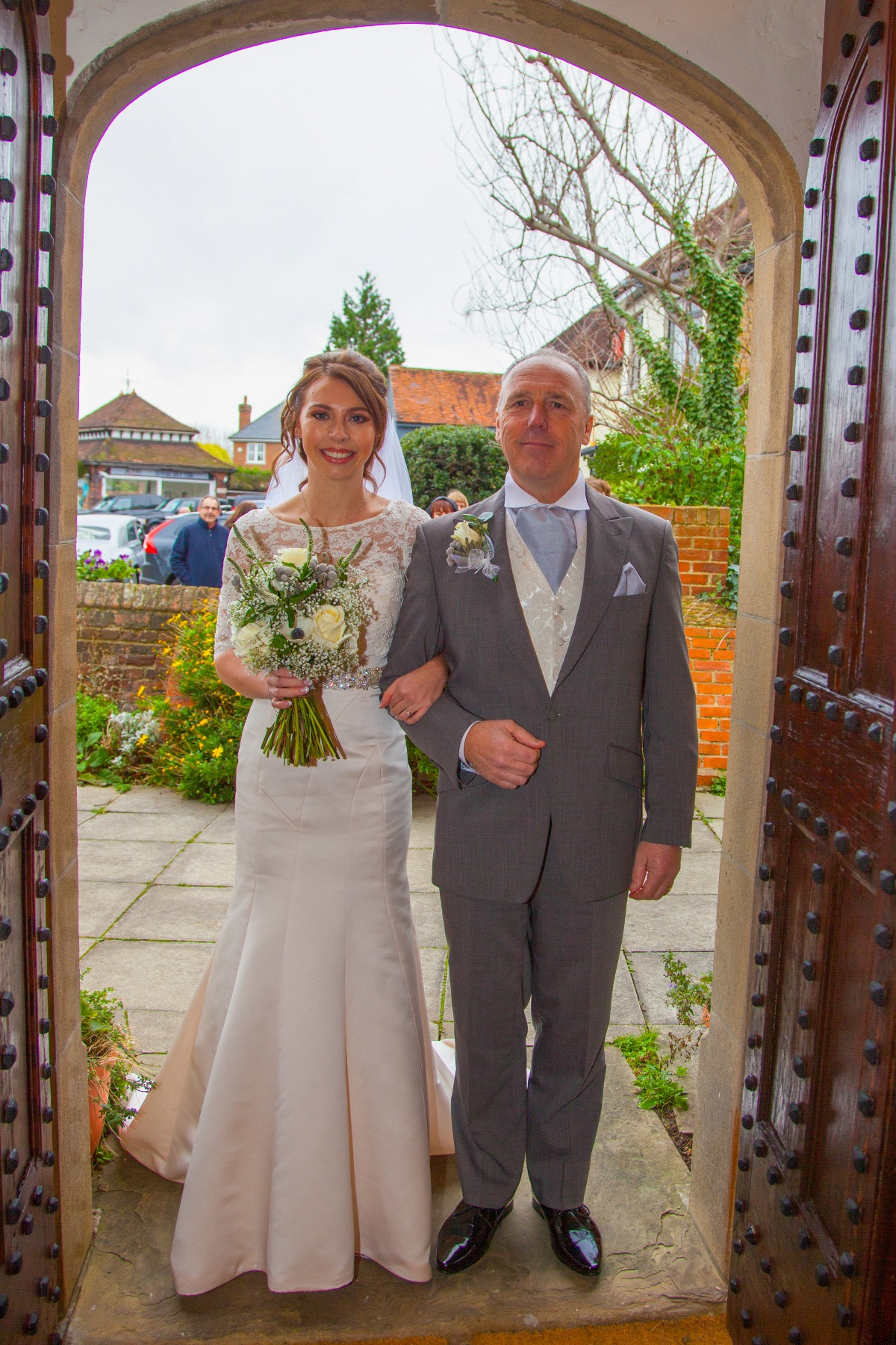 Proud Dad about to walk Steph down the aisle